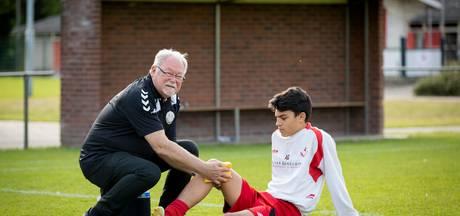 Klaas Looden al 43 jaar verzorger van voetbalclubs uit Den Bosch en Vught