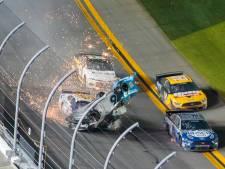 Hamlin wint Daytona 500 na horrorcrash Newman
