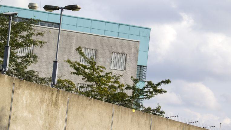 Strafrechtadvocaat Michiel Kuyp zegt dat een gesprek met zijn cliënt in de Zoetermeerse gevangenis in oktober is afgeluisterd. Beeld anp
