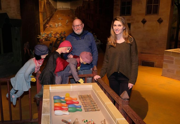 Marc Wellens en zijn opvolgster Vanessa De Geest in het Speelgoedmuseum.