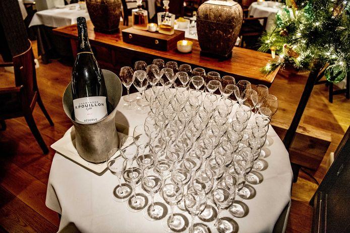 Op het sterrenfeest in O&O was er maandagavond champagne.
