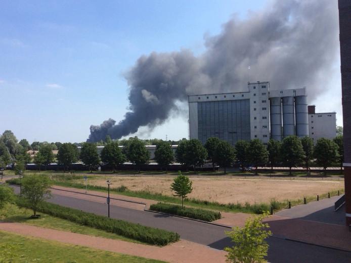 Brand bij het bedrijf Xycarb Ceramics in Helmond