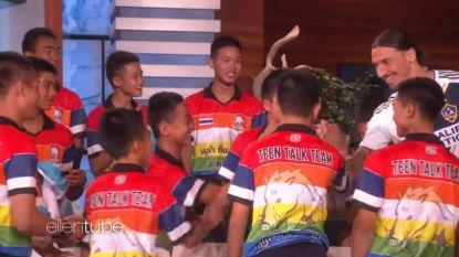 Zlatan verrast uit Thaise grot geredde voetballertjes