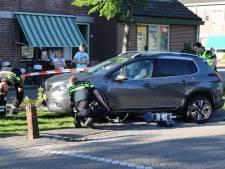 E-biker door auto geschept op Urk