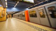 Jongeren poetsen metrostation uit respect voor wijk