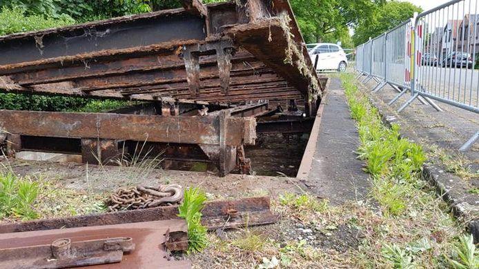 De weegbrug in Draaibrug verkeerde in zo'n slechte staat dat deze moest worden afgevoerd.