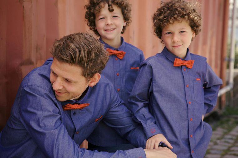 Papa Nicolas met tweelingzonen Louis en Marcel (7) zijn alvast fan.