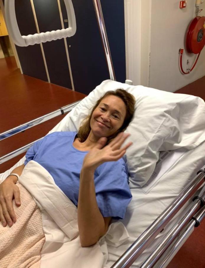 Bibian voordat ze de operatiekamer in werd gereden.
