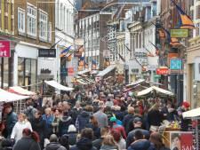 Ook marktkooplieden op uitdijende Kerstmarkt van het Oosten in Arnhem