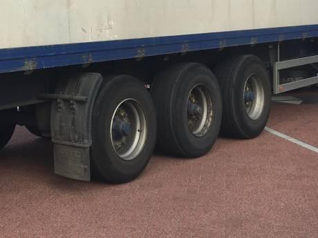 Acht Afrikaanse mannen uit vrachtwagen gesprongen in Veghel
