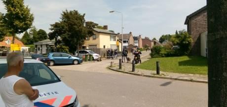 Verwarde man door grote politiemacht aangehouden in Alphen