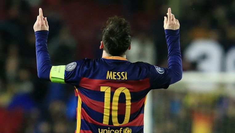 Messi viert een doelpunt in de Champions League-wedstrijd tegen Arsenal. Beeld afp