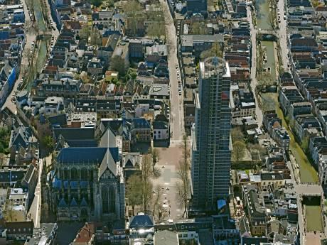 Luchtfotograaf Irvin vloog over het uitgestorven Utrecht: 'Vanwege het mooie weer verwacht je drukte, maar het is echt stil'