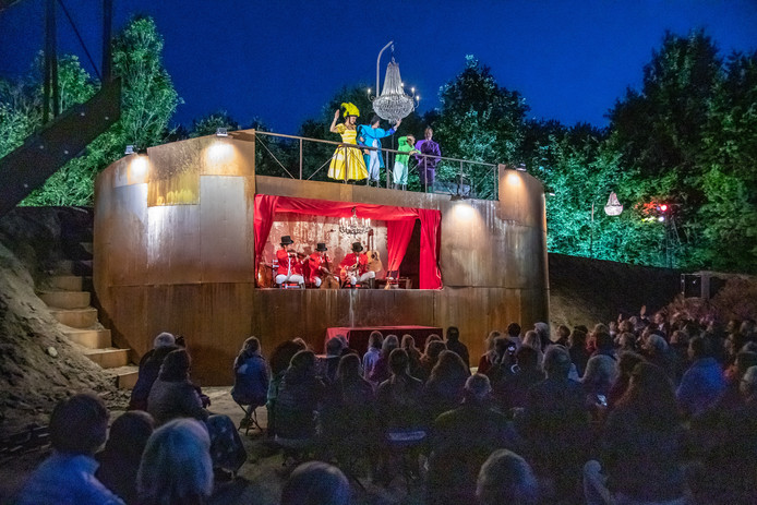 Theatervoorstelling Verzand ging gisteravond in première.