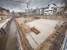 Afgraving bij station Zwolle is klaar: nu de betonvloer van 5000m² nog even