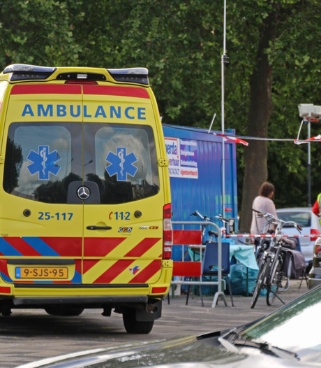 Vrijwilliger Rode Kruis gewond na aanrijding tijdens avondvierdaagse Emmeloord