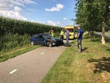 Auto vliegt uit de bocht in Diepenheim