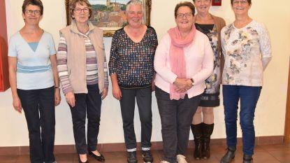 De dames van KVLV Alsemberg-Dworp zoeken nieuwe leden en nodigen uit in De Moriaan