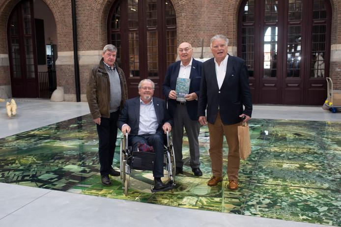 Fons Schrijvers, Marc Van Peel, Freddy Michiels en Staf De Lie.