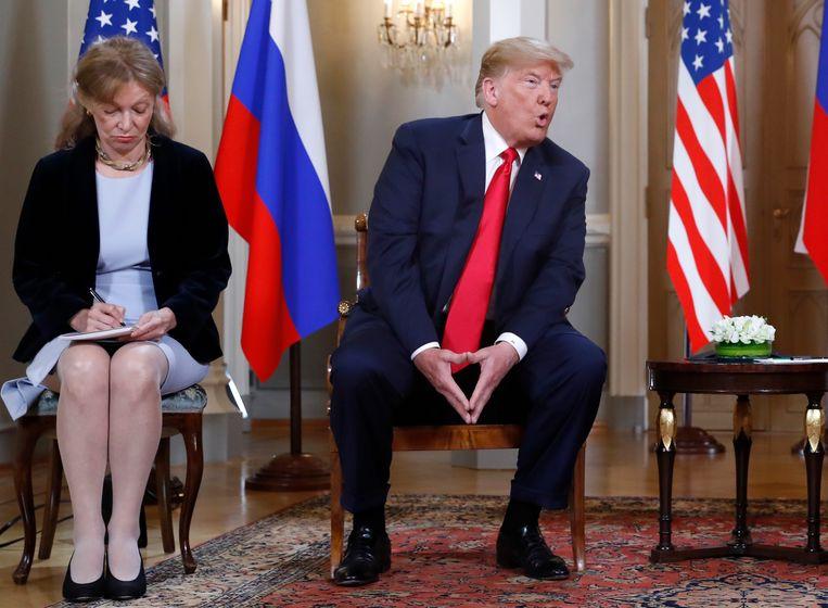 De Amerikaanse tolk Marina Gross vertaalde voor Trump tijdens zijn privéontmoeting met de Russische president Poetin.