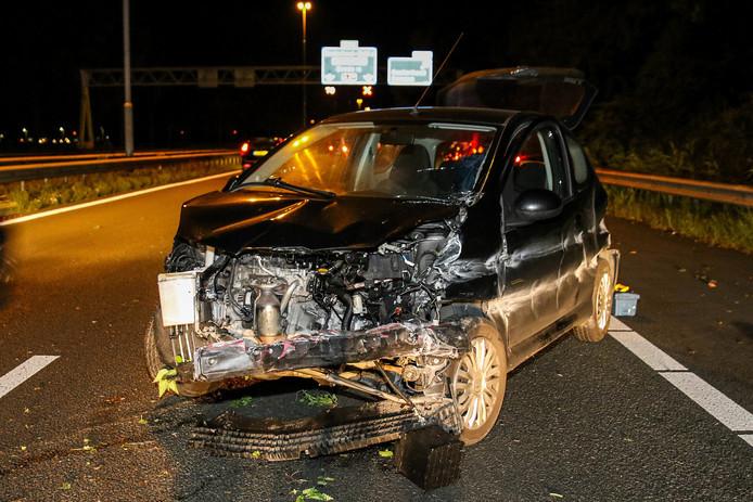 De bestuurder hield enkel een bloedneus over aan het ongeval op de A27 bij Oosterhout.