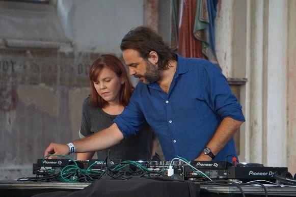 Ayco Duyster en Eppo Janssen komen net als vorig jaar naar Leffingeleuren met duyster.live, een muziekconcept gebaseerd op het voormalige radioprogramma van bij Studio Brussel.
