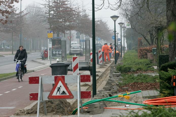 In 2014 kreeg Mierlo en Geldrop (hier de Eindhovenseweg) glasvezel. Het buitengebied werd ook toen al overgeslagen omdat aanleg te duur was.