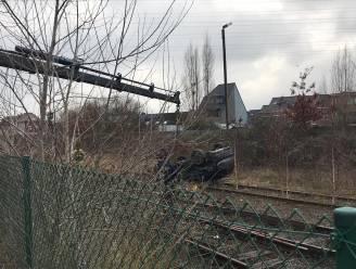 Wagen belandt op sporen na botsing: treinhinder tussen Eeklo en Gent