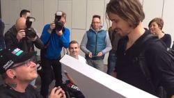 Superfan Marc zorgt ervoor dat Peter Sagan zeker niet te laat aan de start van de Ronde zal verschijnen