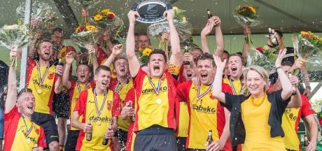 Ongeloof bij voetballers Dalfsen na heel bijzondere derde titel op rij
