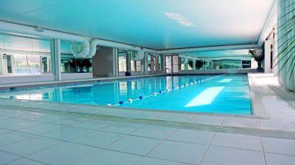 Scholieren krijgen zwemles in luxe-wellness