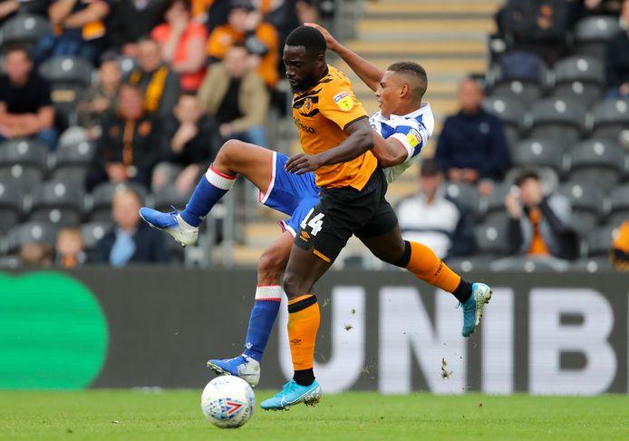 Nouha Dicko in het shirt van Hull City.