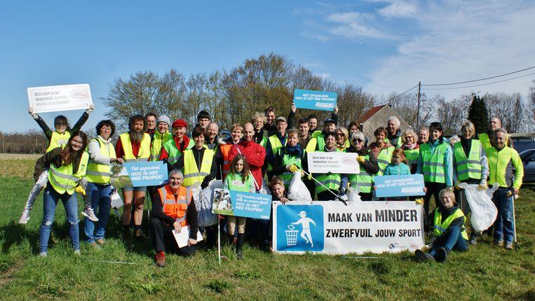 38 vrijwilligers hebben zondag 38 Meisese straten opnieuw proper achtergelaten.