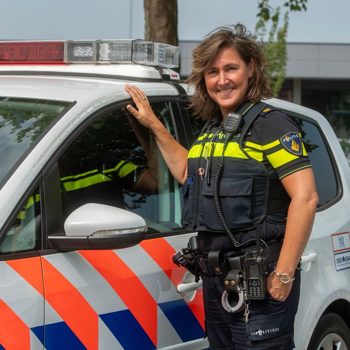 Belinda van der Genugten in 2018,  als wijkagente in Drunen.