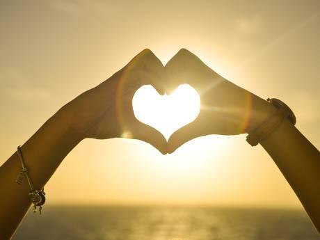 Merendeel van lezers steunt verliefde juf: 'Van de zotte'