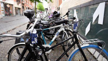 Stad haalt fietsen weg die hinderlijk geparkeerd staan, maar studenten riskeren geen retributie