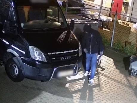 Boeven roven gereedschap uit busjes van bedrijven in Putten en Nijkerk