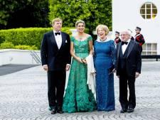 Máxima 'recyclet' smaragdgroene japon voor staatsbanket Ierland