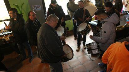 VIDEO: Ook de muzikanten van de Gilles vieren start van carnavalsseizoen
