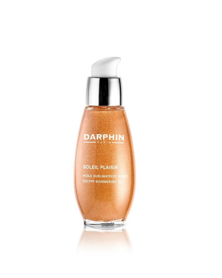 Zet je bruine teint extra in de kijker met een heel subtiele glans. Het ruikt naar warme, gebruinde huid na een zonnebad. Soleil Plaisir olie van Darphin € 35 in de apotheek