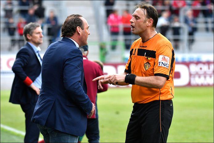 Geldhof in discussie met Vanderhaeghe.