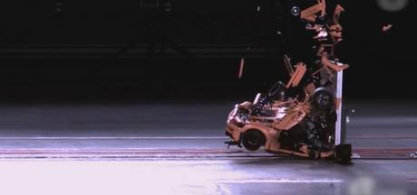 Porsche van 2.700 legostukjes crasht tegen muur