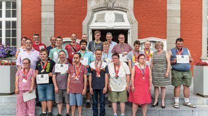 Truiense winnaars Special Olympics gehuldigd in stadhuis