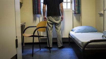 """Nederlandse cipiers doen opvallend voorstel: """"Geef softdrugs aan gedetineerden om ze rustiger te houden tijdens coronacrisis"""""""