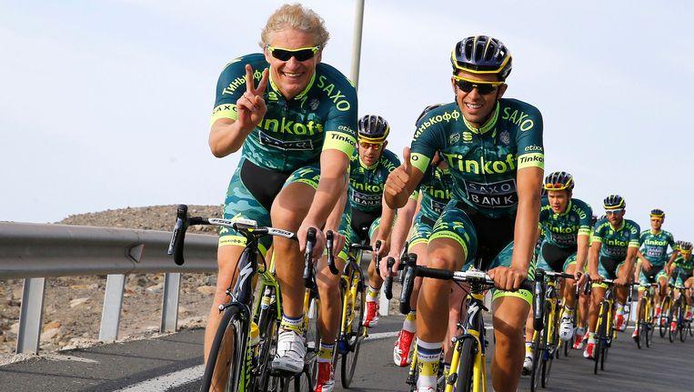 Oleg Tinkov (l) spuit mist over de toekomst van zijn kopman Alberto Contador (r)