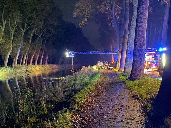 Ongeval langs Damse Vaart in Damme: SUV in het water