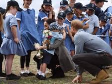 Harry en Meghan smelten weg bij Australische kleuters