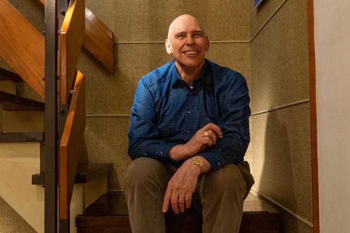 """,,Je wilt niet weten hoeveel bedden en matrassen ik heb getild"""", zegt Paul Deckers, die de deuren van zijn zaak sluit."""