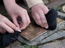 Struikelstenen in Doesburg blinken weer als goud