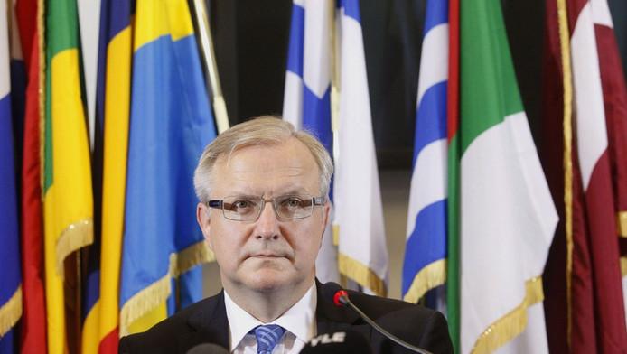 Eurocommissaris Rehn houdt vertrouwen in de euro.